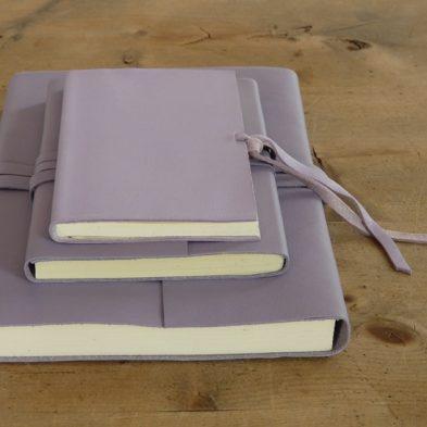 Notizbuch mit Ledereinband