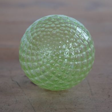 Mundgeblasene Glaskugel in Grün