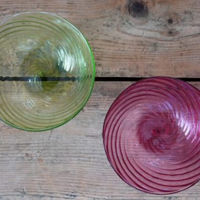 Mundgeblasene Glasschalen